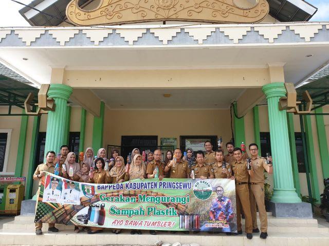Bappeda Kabupaten Pringsewu Deklarasikan Gerakan Mengurangi Sampah Plastik